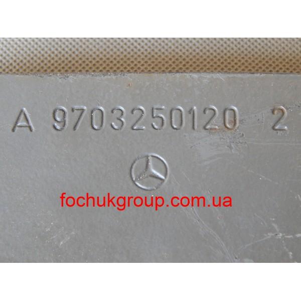 Пластина кріплення ресори Mercedes Atego