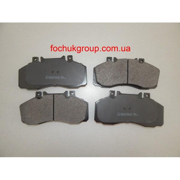 Гальмівні колодки на Mercedes 609, 709, 711, 811, 814, Vario