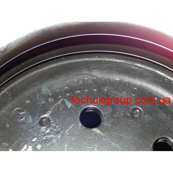 Шків водяної помпи на Mercedes 814, 817, 1117, 1320 - OM366